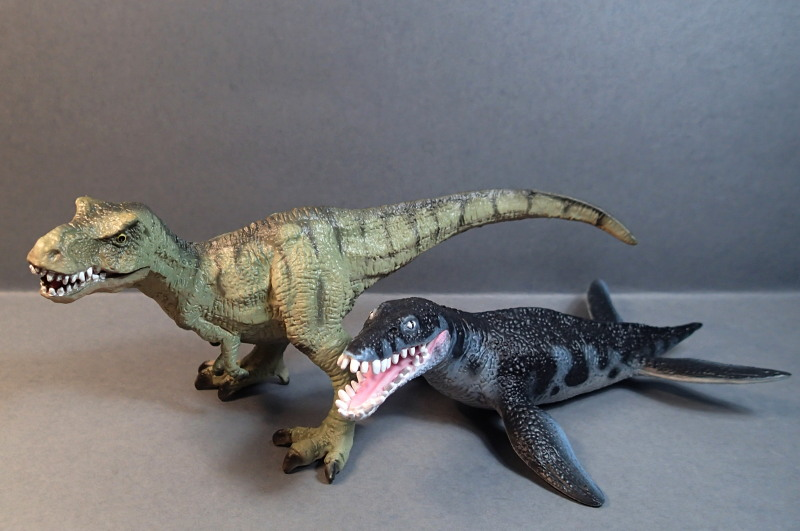 Two new medium sized Bullyland  Museum Line models 2016 : T-Rex and Liopleurodon, walk arounds Bully_Dinos2016_zpsvuza2926