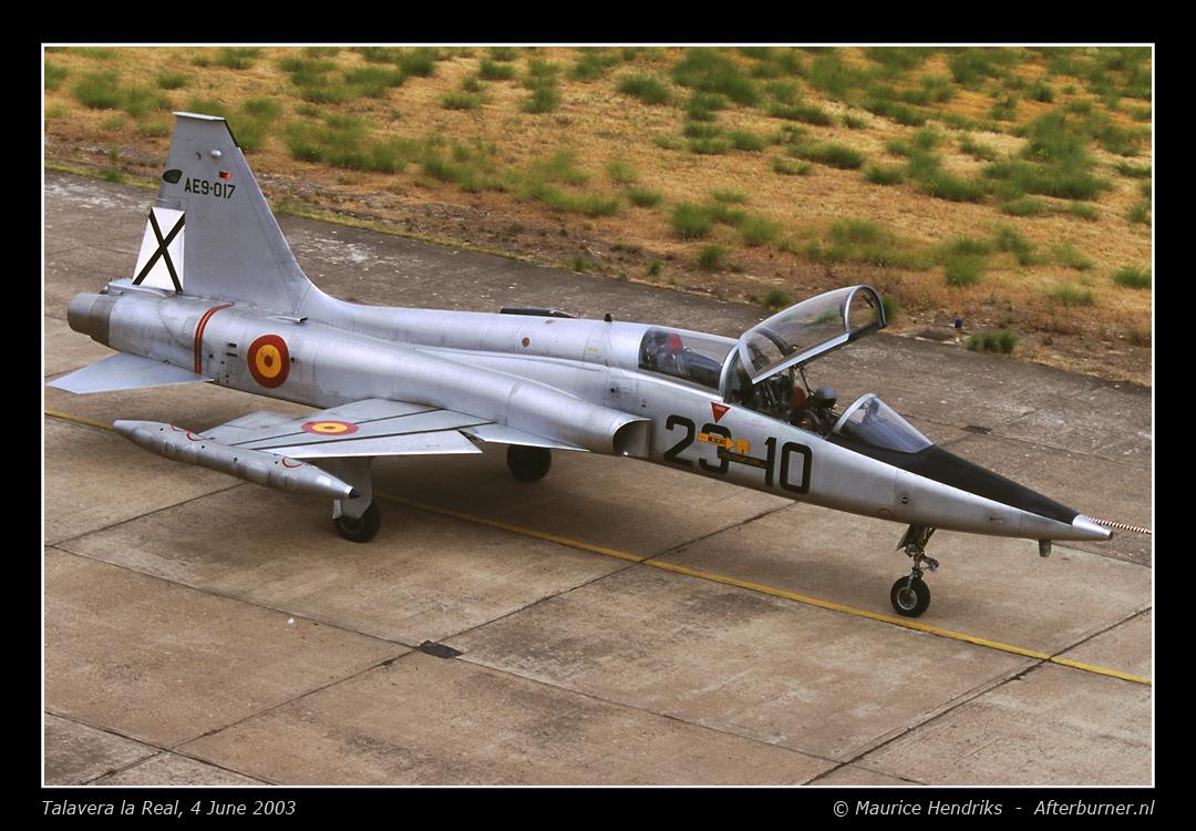 Northrop F-5B 1/48 Classic Airframes Sf5b_ae9017_2_1