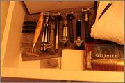 Photos de votre armoire spéciale rasage (ou de la partie réservée au rasage) - Page 2 IMG_2213