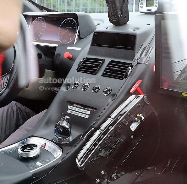 Aston Martin DB11 terá motor e componentes Mercedes Screenshot_2488