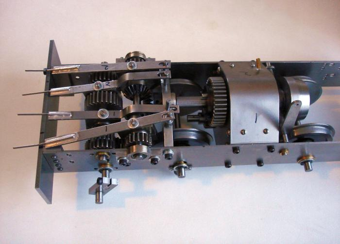 Live Diesel-Mechanical 1/12th scale - Page 2 DSC09560