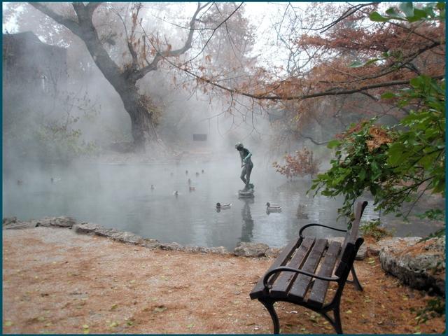 klupa nekoga čeka - Page 2 Park_bench_statue_fog_morning