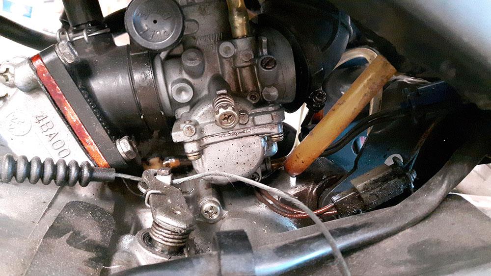 Yamaha TZR80RR al rescate Carburador