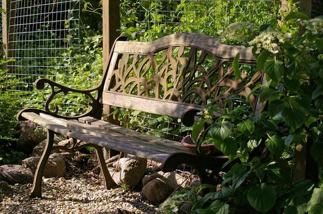 klupa nekoga čeka - Page 2 Garden_bench_810935_960_720