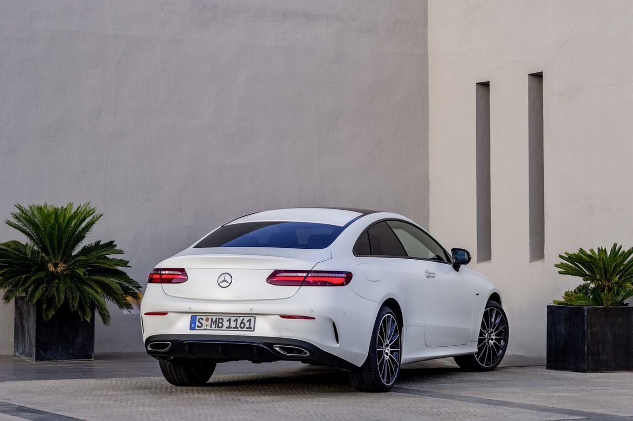 Nova Classe E Coupé 2018 é revelada 2018_Mercedes_E_Class_Coupe_52