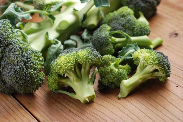 Povrće Brokoli_1375285868_9548