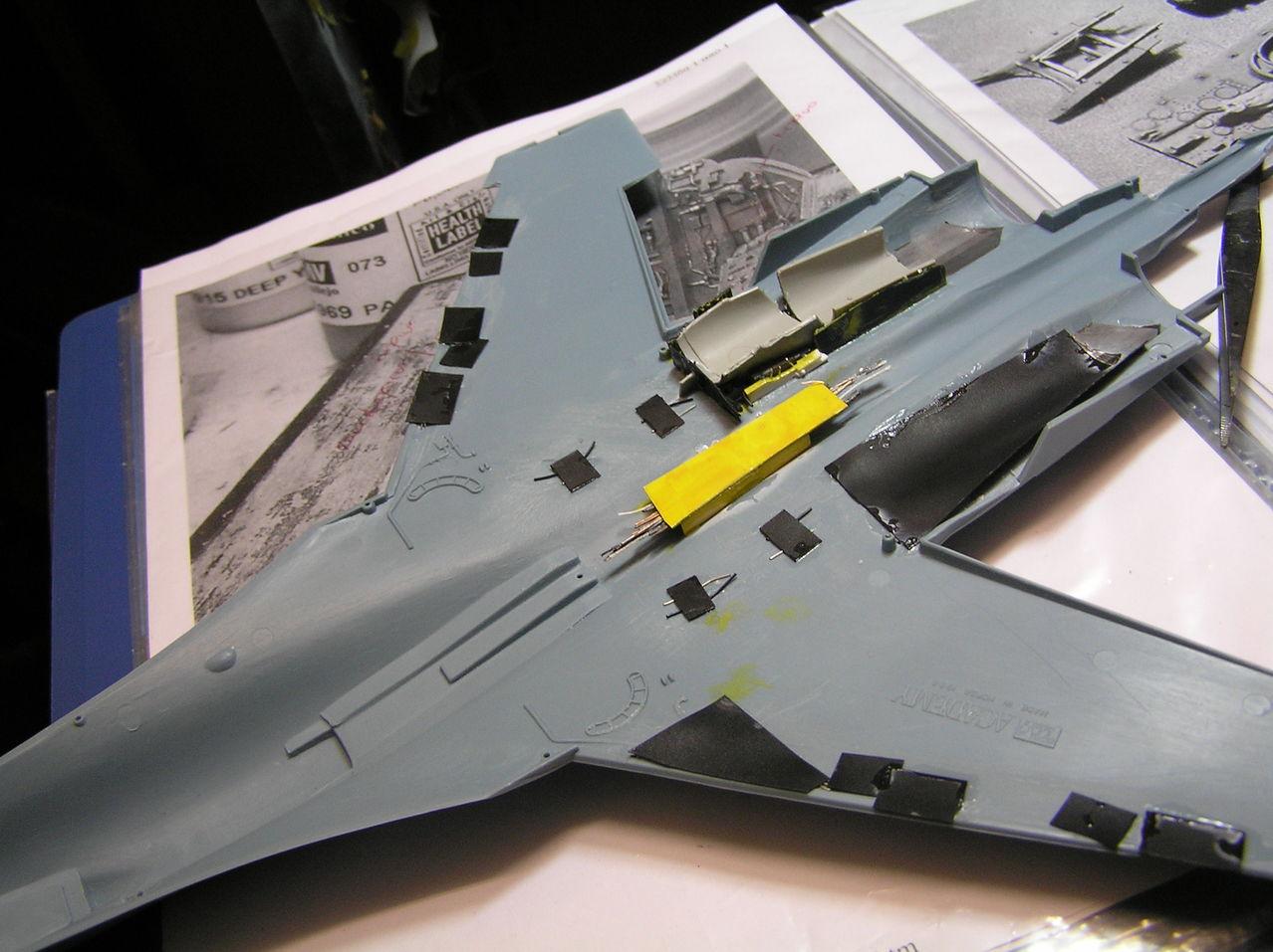 ...καπως ετσι αρχισαν ολα...Su-27  και τα μυαλα στα καγκελα... P1030138