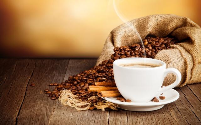Miris kafe Cup_of_coffee_drink_coffee_beans_cinnamon_saucer