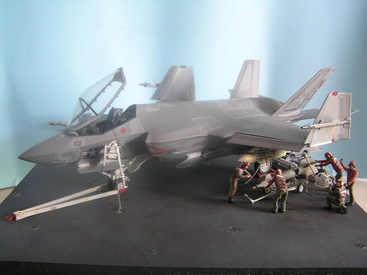 "F-35C  1/48 ... H  ""αεροπλαναρα""  !!! - Σελίδα 4 Image"