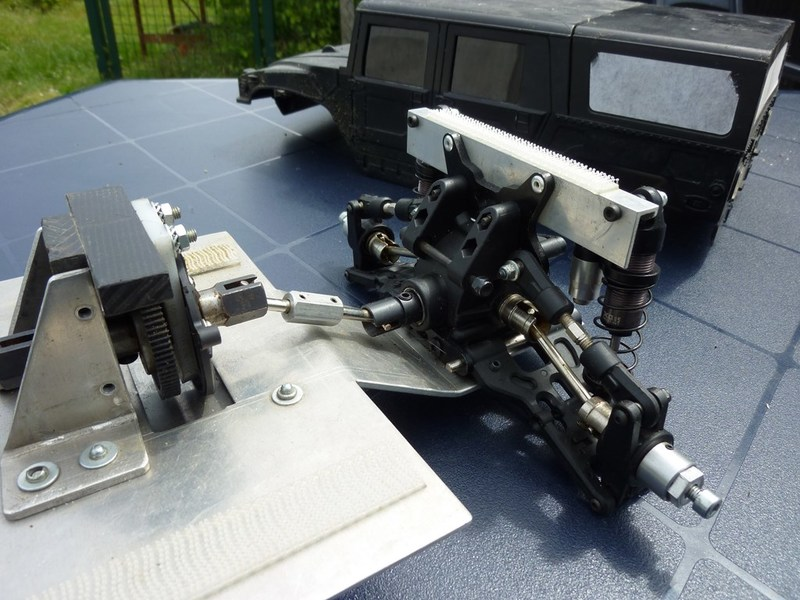 Hummer H1 pont Avioracing 1/8 P1020640
