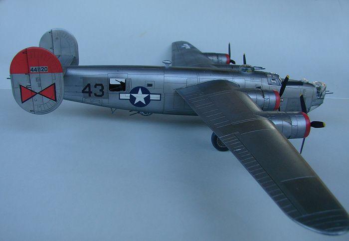 B-24J Liberator, Academy, 1/72 DSC04866