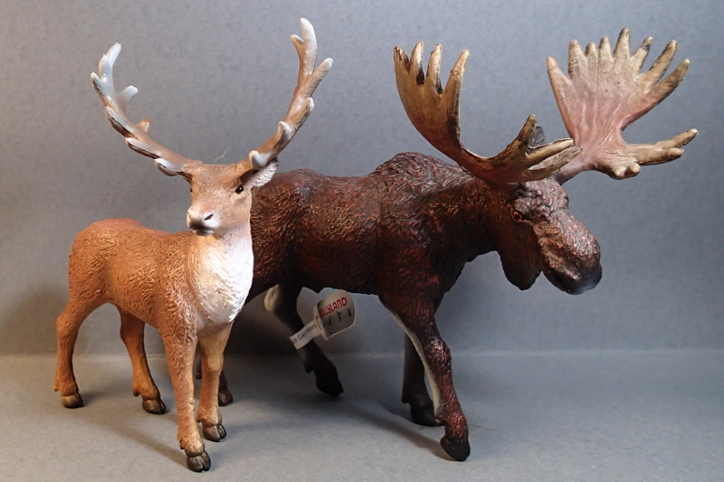 A walkaround  of Bullyland Red Deer, deLuxe size.  Bully_Deer_Moose2_zpss6ilkn4a