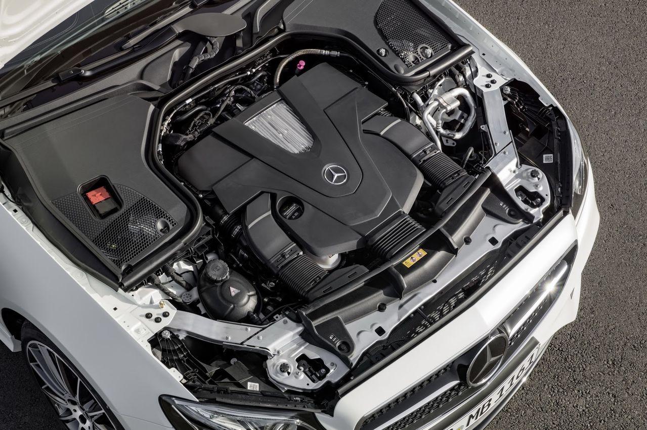 Nova Classe E Coupé 2018 é revelada 2018_Mercedes_E_Class_Coupe_44