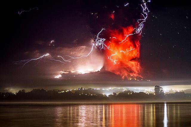 Vulkani - Page 2 Calbuco_volcano_chile