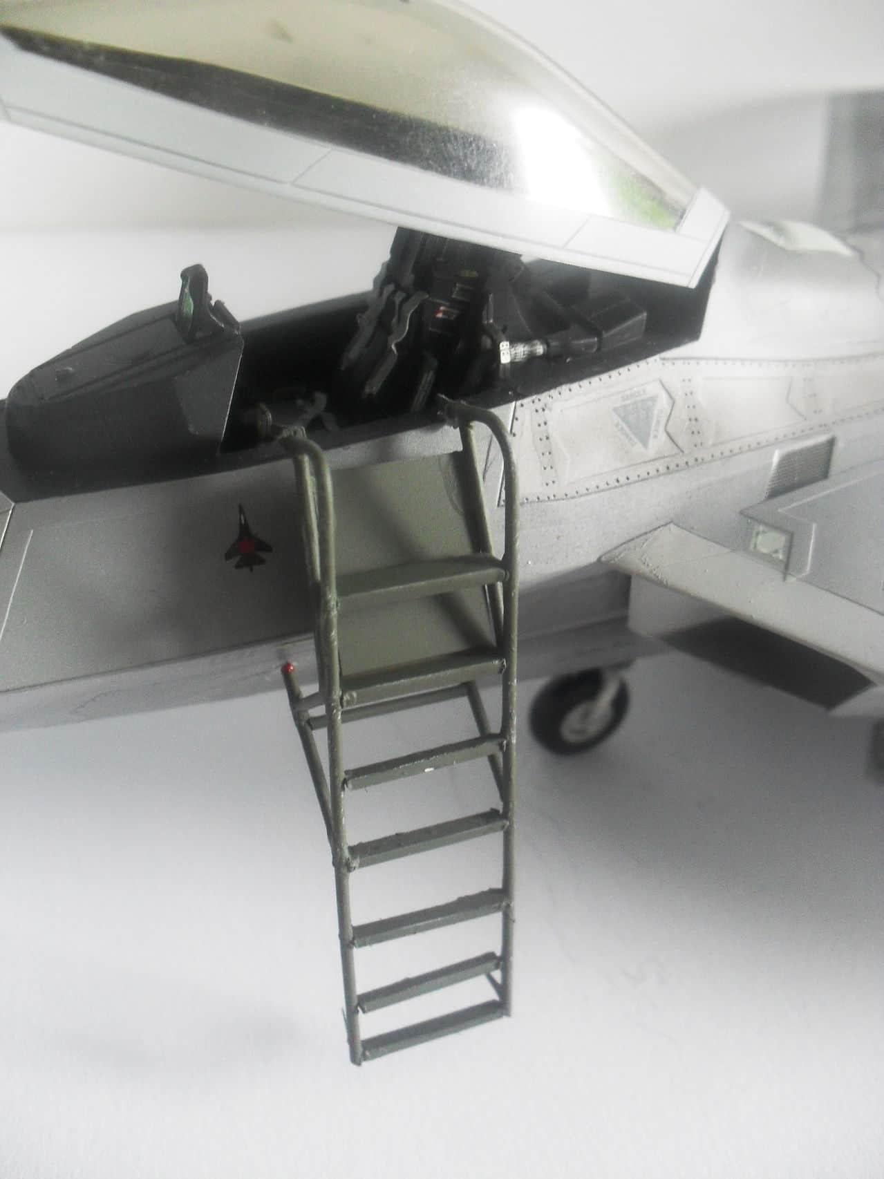 "F/A-22A  1/48  Hasegawa...""σε οσους αρεσουμε, για τους αλλους δεν θα μπορεσουμε!!!"" SDC13382"