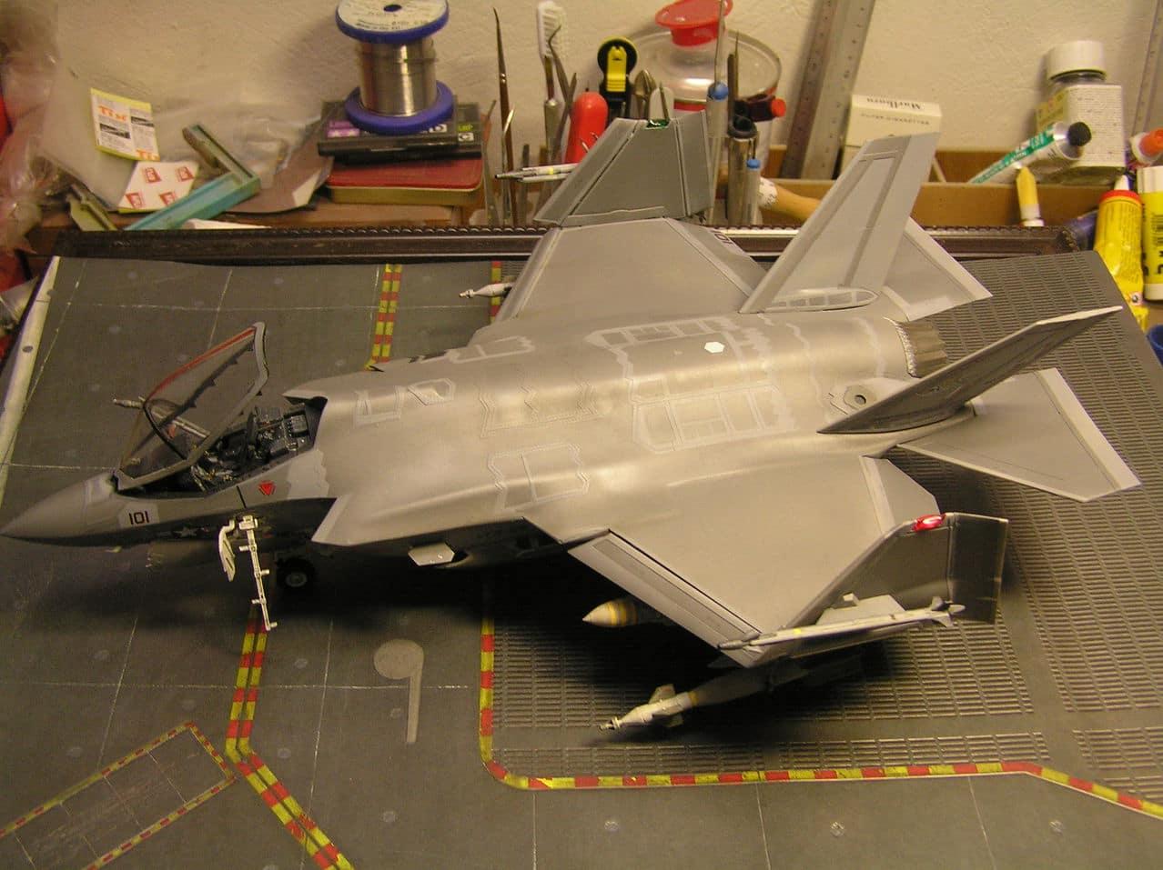 "F-35C  1/48 ... H  ""αεροπλαναρα""  !!! - Σελίδα 4 P1010084"