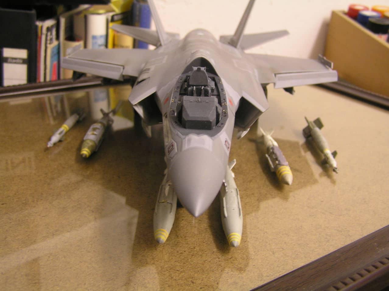 "F-35C  1/48 ... H  ""αεροπλαναρα""  !!! - Σελίδα 3 P1010078"