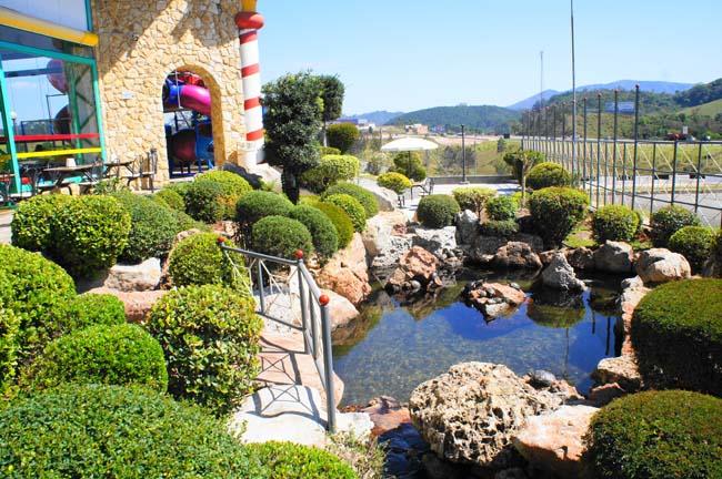 10 lindos lagos Ornamentais Cascatas_lamnia_agua_lagos_ornamentais_paisagism