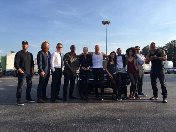 Vin Diesel - Página 7 530w1t_Y