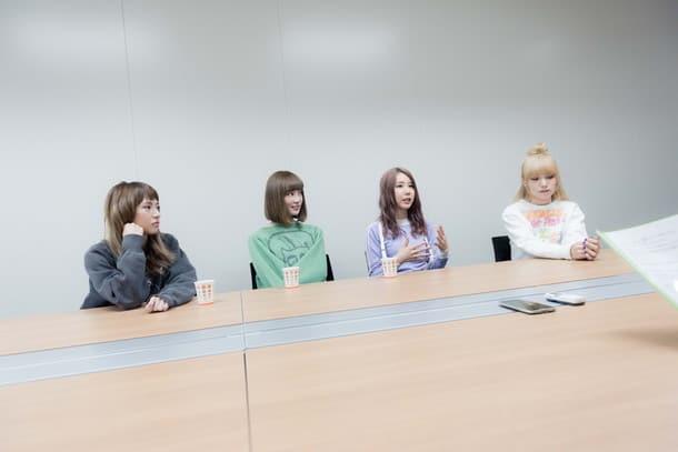 Billboard - SCANDAL's Best Album Interview 170217_scandal011