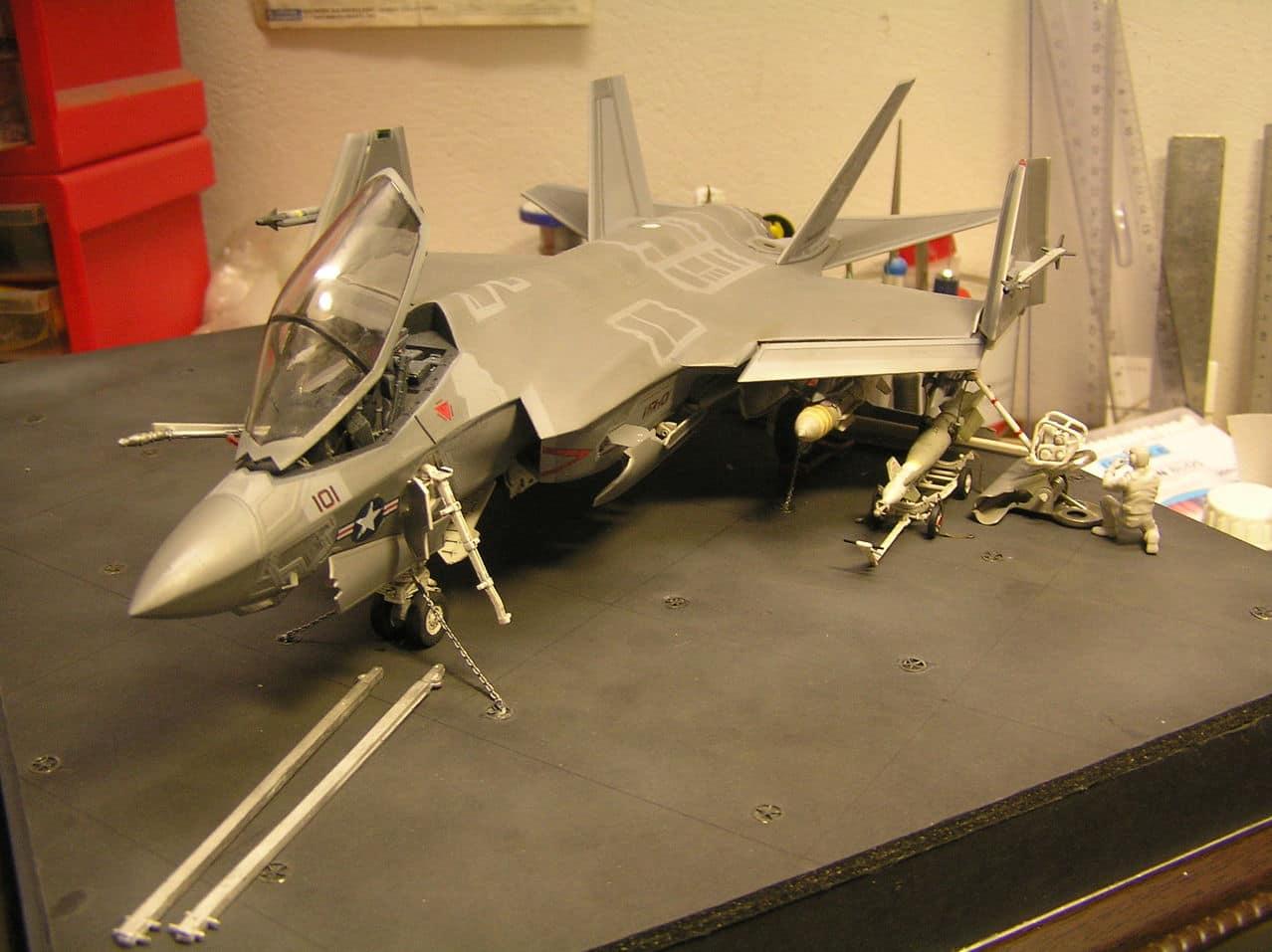"F-35C  1/48 ... H  ""αεροπλαναρα""  !!! - Σελίδα 4 P1010095"