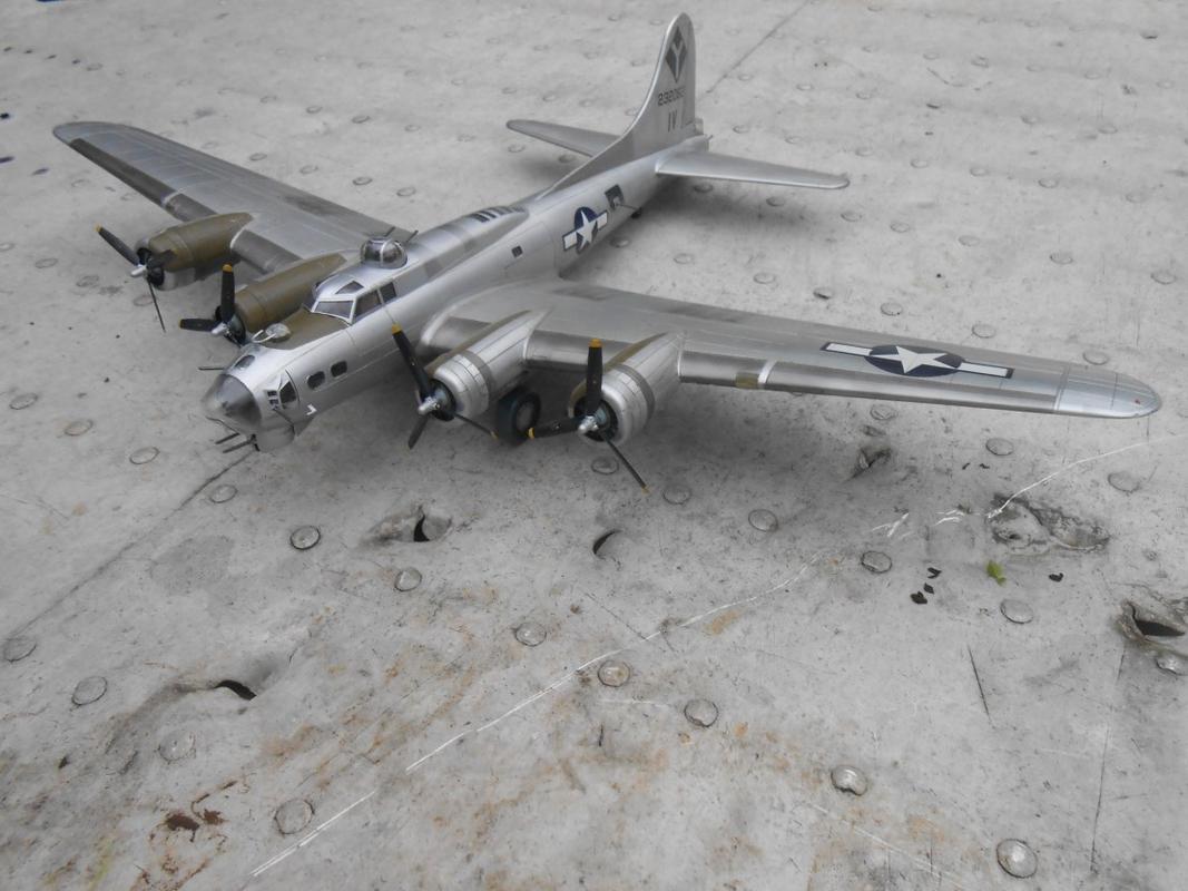 Do Božića B-17G, Academy, 1/72 DSCN3268