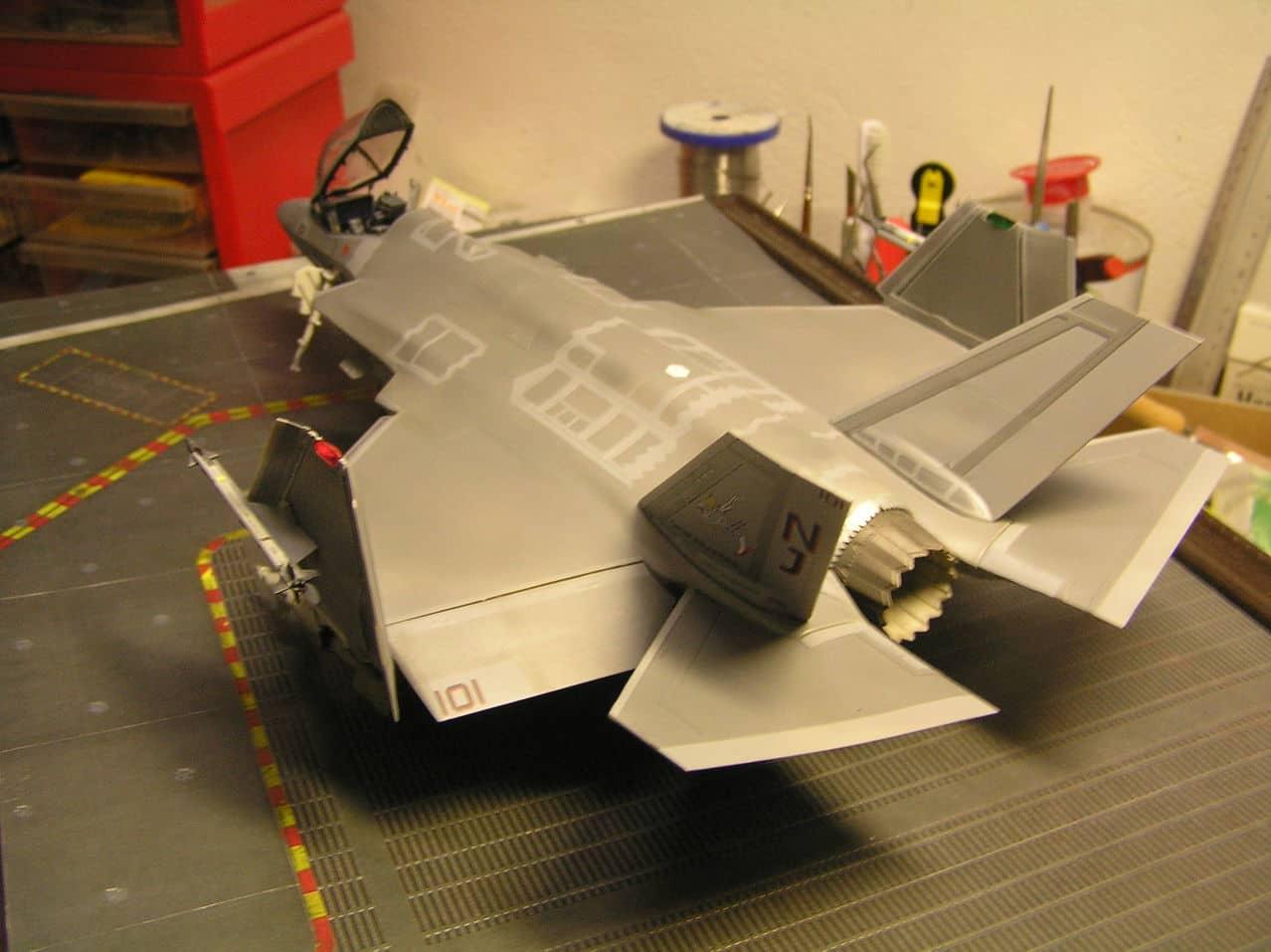 "F-35C  1/48 ... H  ""αεροπλαναρα""  !!! - Σελίδα 4 P1010083"