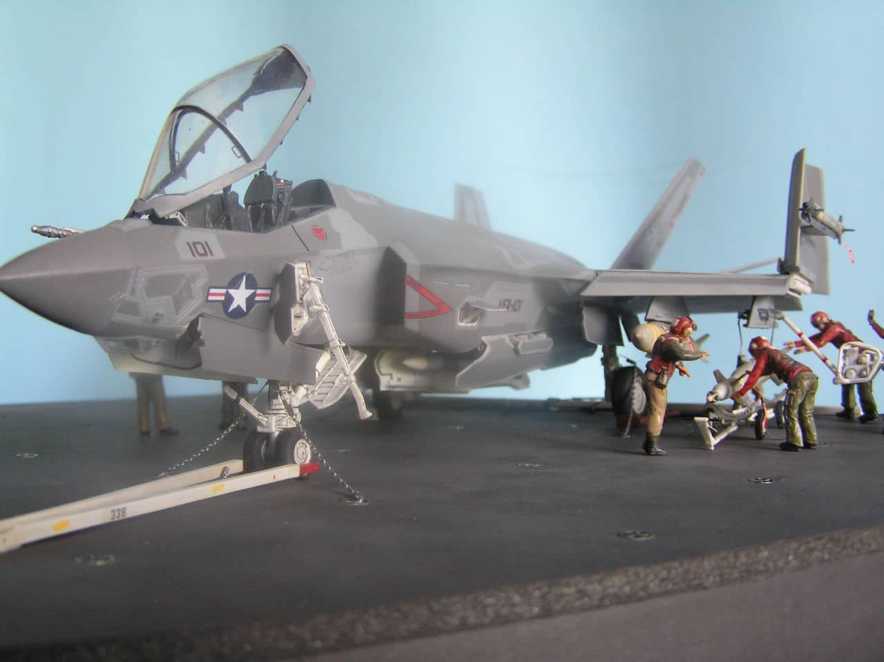 "F-35C  1/48 ... H  ""αεροπλαναρα""  !!! - Σελίδα 4 Ab4"