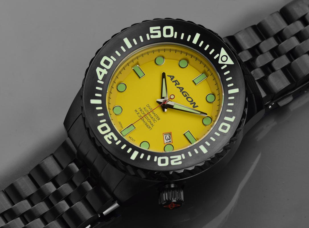 Aragon Divemaster EVO Automatic in 45mm IP black. A253_YEL