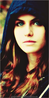 Alexandra Daddario Image