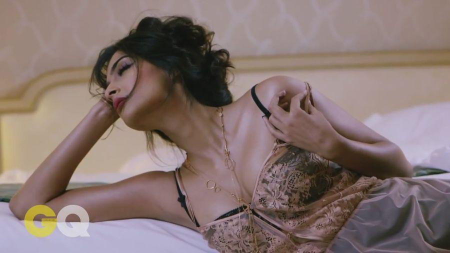 Sonam Kapoor Sizzles in GQ Magazine#3 Sonam_Kapoor_Fropki_007