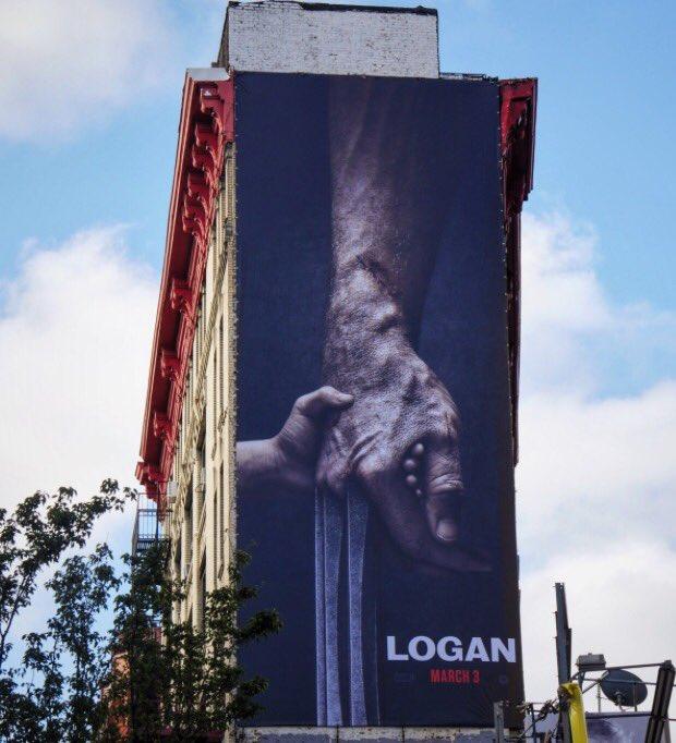 Hugh Jackman Cu_Ag_E5y_WYAEAMt0_jpg_large