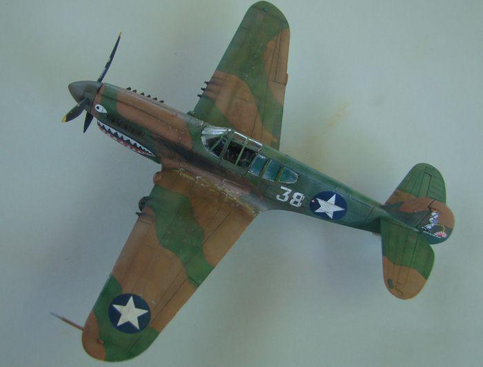 P-40E, Hobby Boss, 1/72 DSC03380