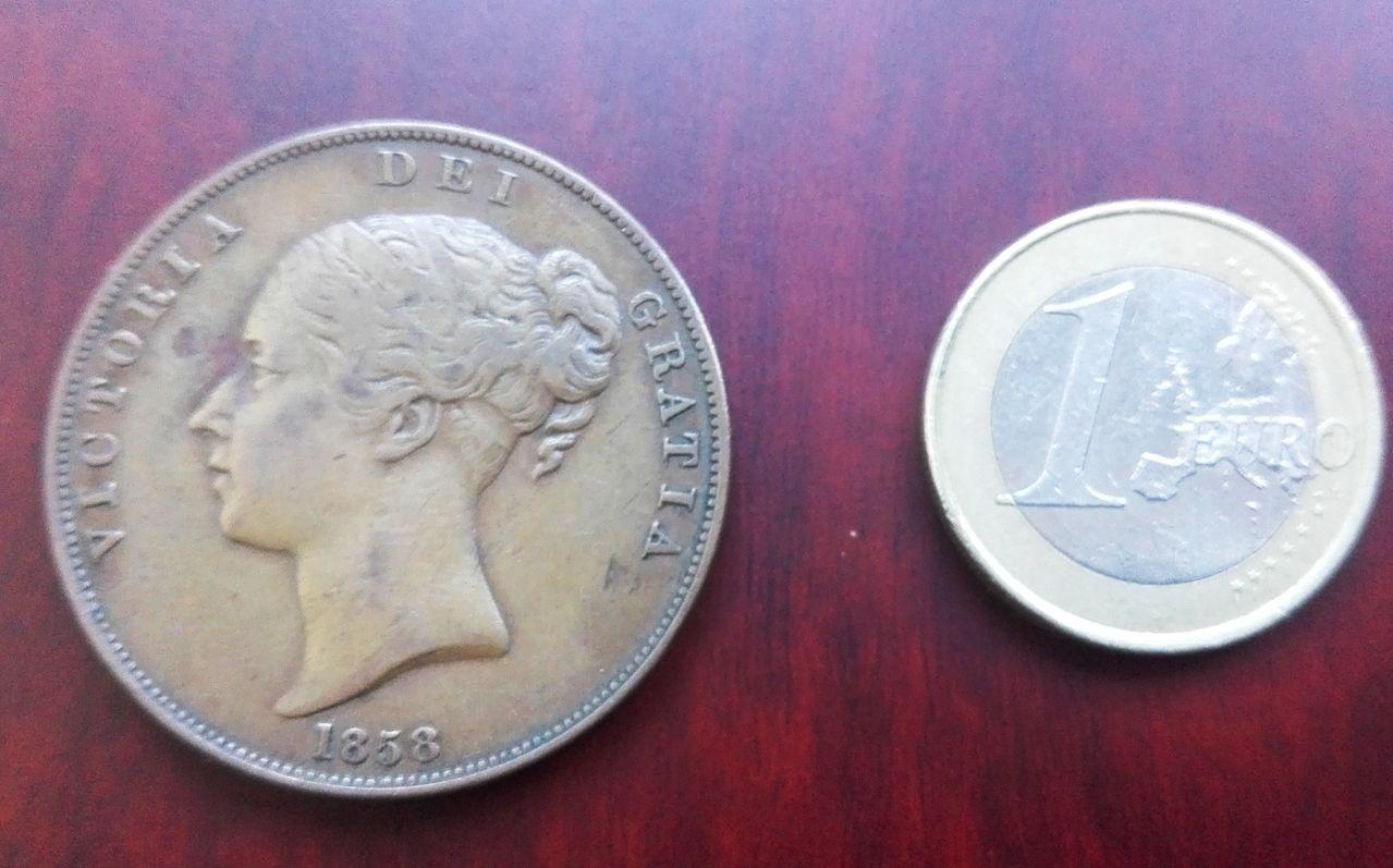 1 penique 1858, Gran Bretaña. Reina Victoria 1_penique_1858_comparativa