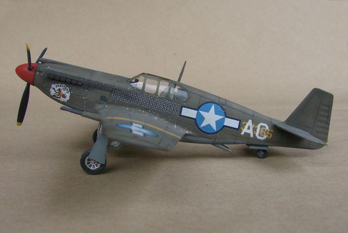 P-51 Mustang, Academy i P-51B Mustang (rebuild) Revell, 1/72 DSC02585