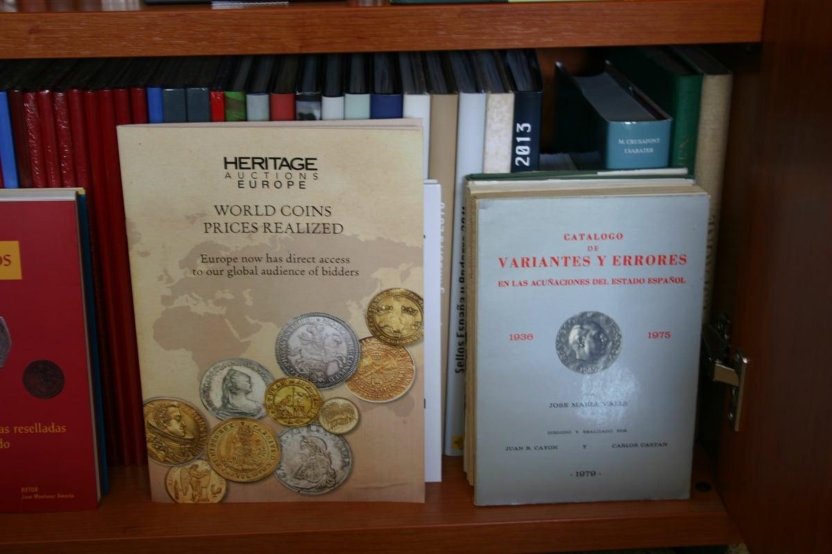 Mi humilde biblioteca IMG_1509