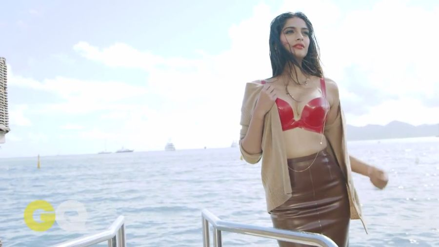 Sonam Kapoor Sizzles in GQ Magazine#3 Sonam_Kapoor_Fropki_010