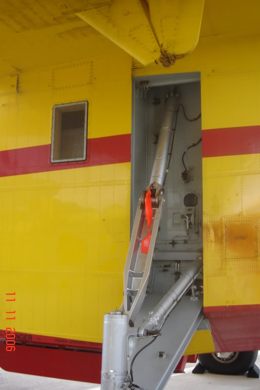 Canadair CL-215 355 Μοίρα Τακτικών Μεταφορών, Π.Α. στην 1/72. - Σελίδα 2 DSC01396