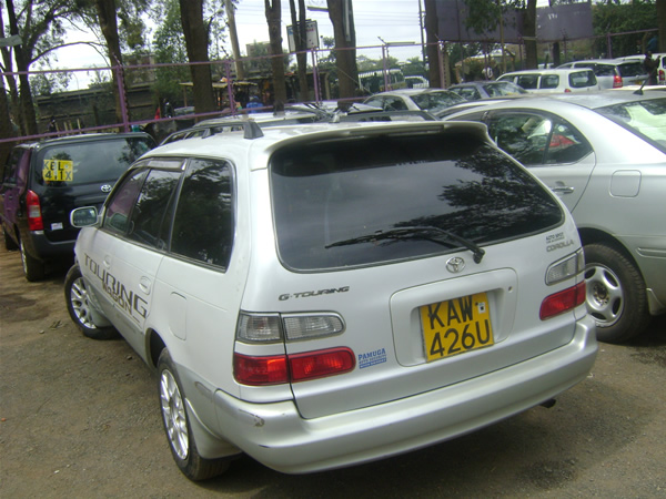 Toyota Corolla 1.6 family car 9298_5_car