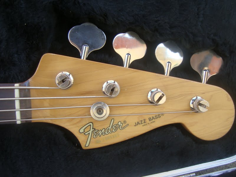 baixo fender silver series made in japan Fender_s