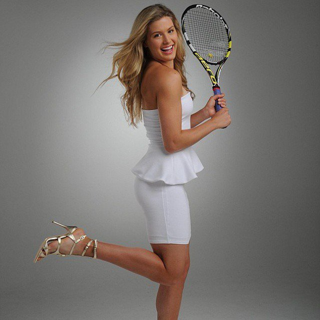 Tennista più bella del circuito... - Pagina 3 Eugenie_bouchard_hottest_photos_18