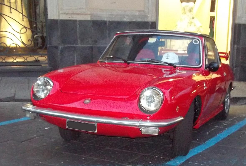 Mostra auto a Giarre (CT) 02/06/2017 Fiat_850_spider_903cc