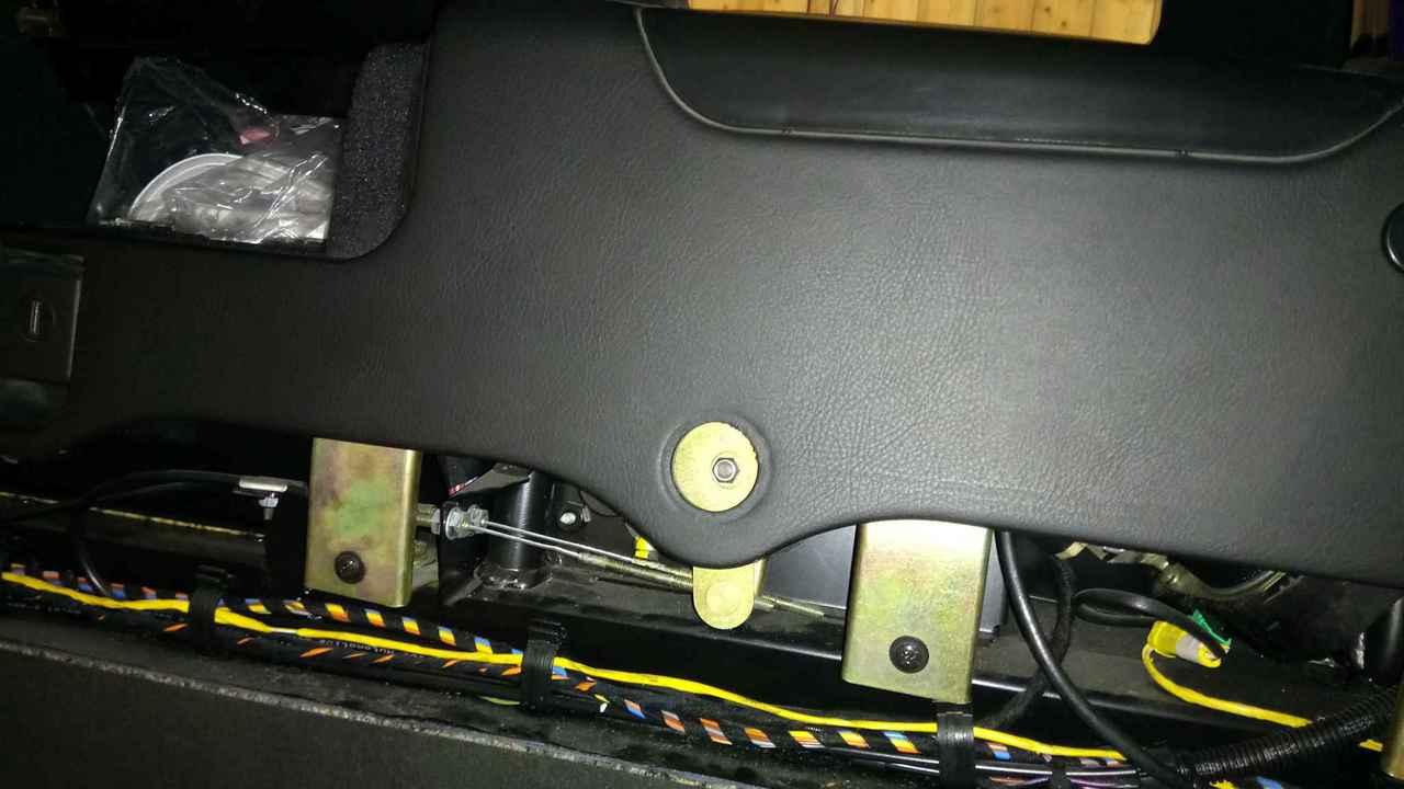 Capote bloquée comme si capotage en cours - 4200 Spyder DSC_0464