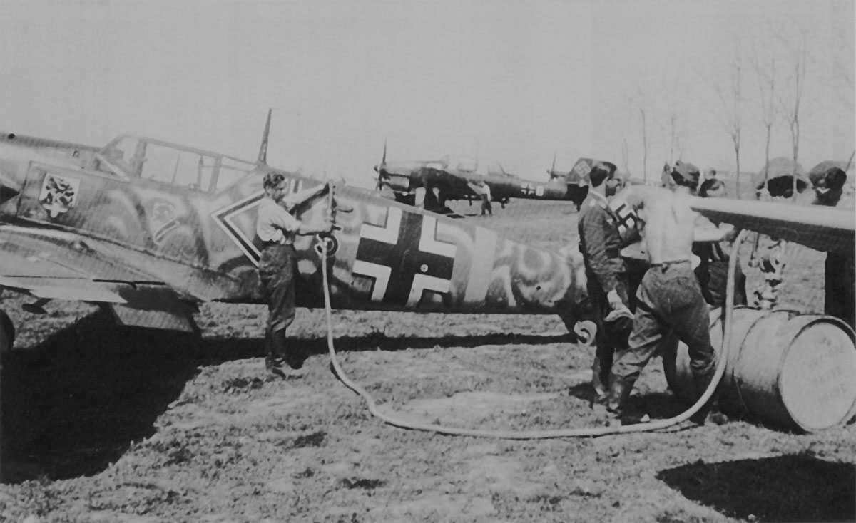 Messerschmitt Bf 109 E-3 / E-4 arfix Me109_E4_B_JG54_Arad_c_I5_Rumania1941_101alessf