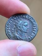 Antoniniano de Diocleciano. IOVI CONSERVATORI AVGG. Diocleciano y Júpiter. Ceca Tripolis. IMG_3872