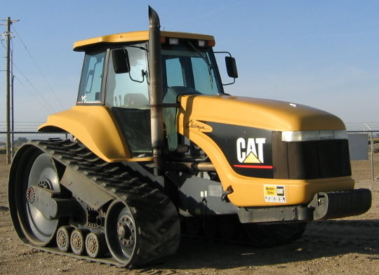 Hilo de tractores antiguos. - Página 22 Cat_challenger_35