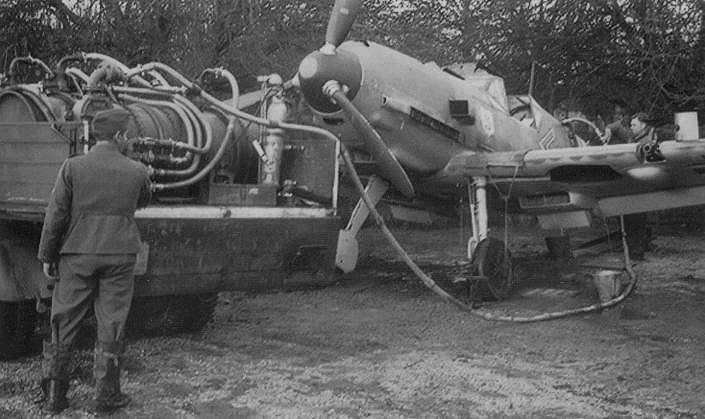 Messerschmitt Bf 109 E-3 / E-4 arfix Me109_Galland_5f_s