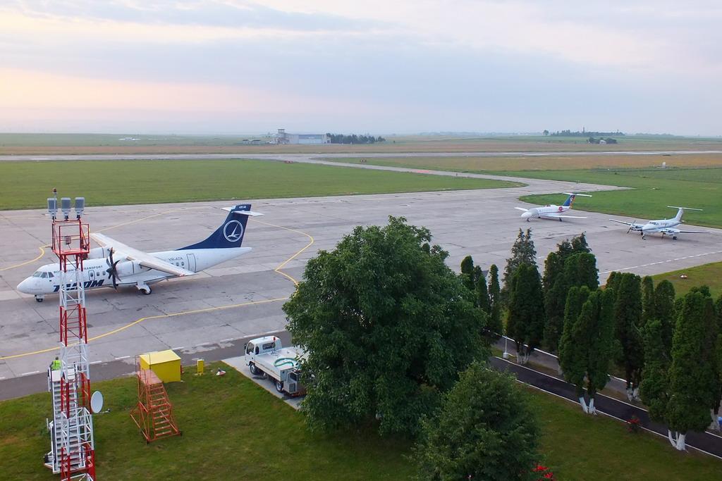 Aeroportul Suceava (Stefan Cel Mare) - Iunie 2013   DSCF7596