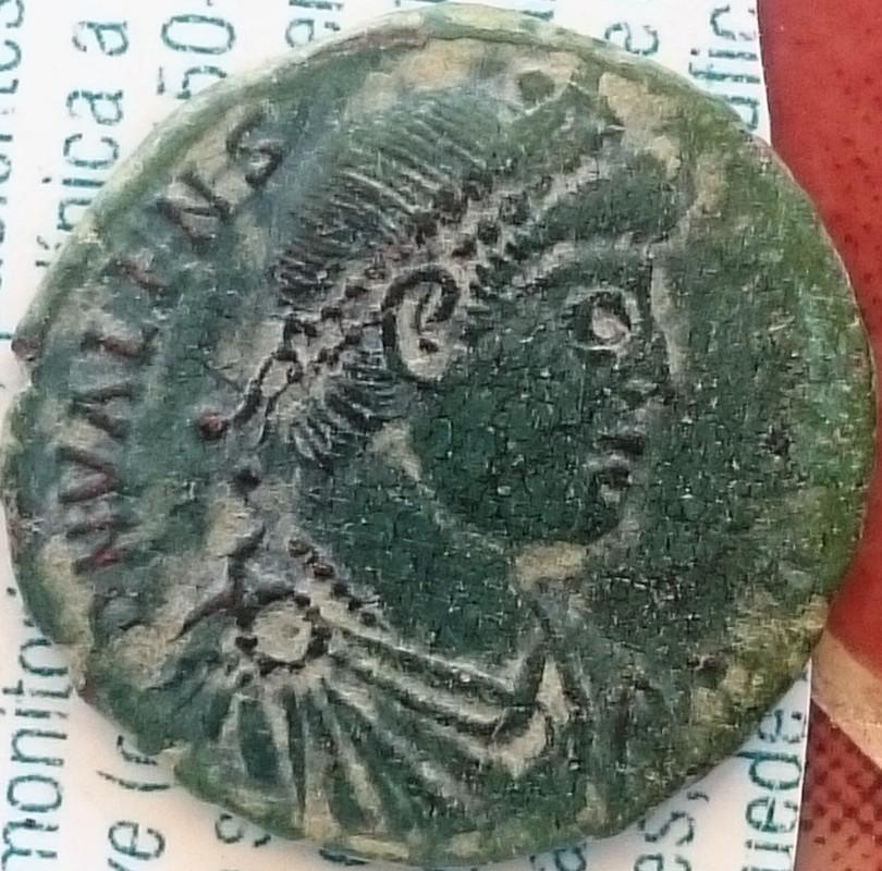 AE3 de Valens. GLORIA RO-MANORVM. Emperador avanzando a dcha. Ceca Constantinoópolis. DSC_0007