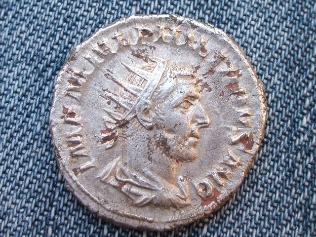Antoniniano forrado de Filipo I. LIBERALITAS AVGG II. 016_2